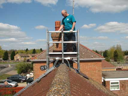 Easy scaffold system to chimney